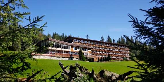 Obľúbený rodinný hotel Magura s raňajkami a iba 3 min. autom od Chodníka korunami stromov / Vysoké Tatry - Ždiar