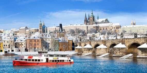 Adventní plavba po Vltavě s cukrovím, horkým nápojem a vánočními koledami v délce 60 minut/Praha - Staré Město