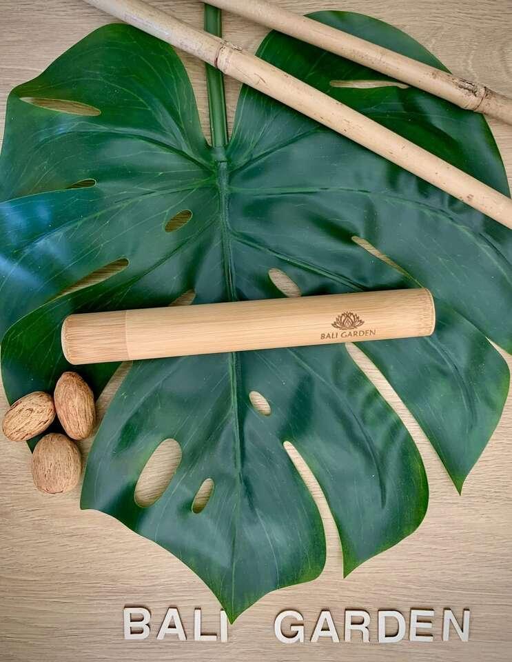 Prírodné kokosové misky, bambusové slamky, príbor, zubné kefky ...