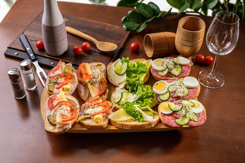 Set chlebíčkov alebo oškvarkové pagáčiky ako od babičky take away alebo donáška v reštaurácii Rotoska