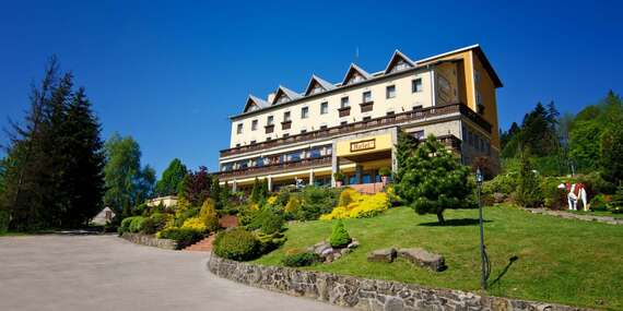 Dovolená v Hotelu Husárik **** v čisté přírodě Kysuc s regionálními specialitami na večeři / Kysuce - Čadca