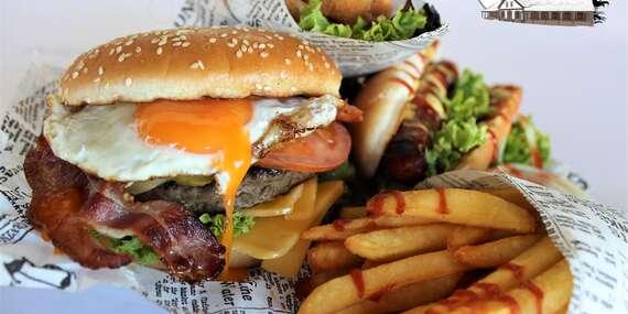 Hamburger, grilované koleno a k tomu pivo alebo káva s chutným dezertom to všetko si môžete vychutnať v reštaurácii, na terase Masarykov dvor alebo zobrať so sebou / Pstruša - Vígľaš