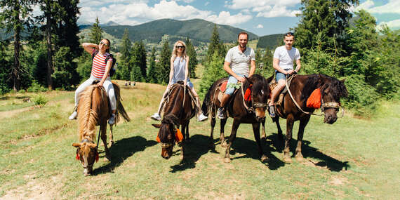 Rodinný pobyt na ranči s plnou penziou a jazdou na koňoch/Hriňová