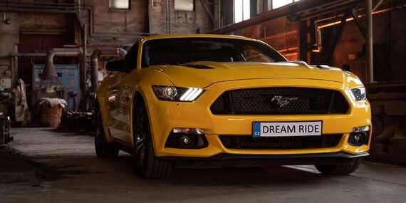 Zážitková jízda včetně paliva v nadupaném sportovním voze Ford Mustang GT jako spolujezdec nebo řidič / Olomouc, Přerov