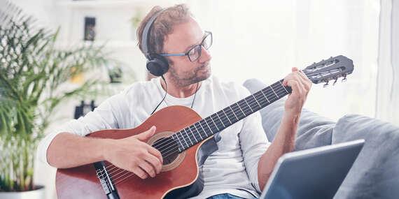 Naučte sa hrať na gitare za 7 dní: video-rýchlokurz pre začiatočníkov s doživotným prístupom/Slovensko