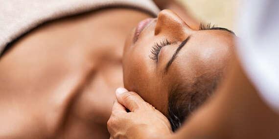 Terapeutické masáže Shiatsu, nôh, celotelová alebo masáž s 24k zlatom, kvantovou liečbou & fyzioterapeutom/Košice