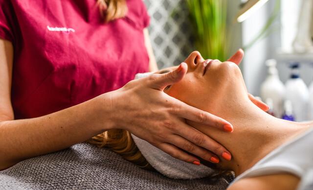 Účinná liečba akné vďaka špeciálnemu ošetreniu.