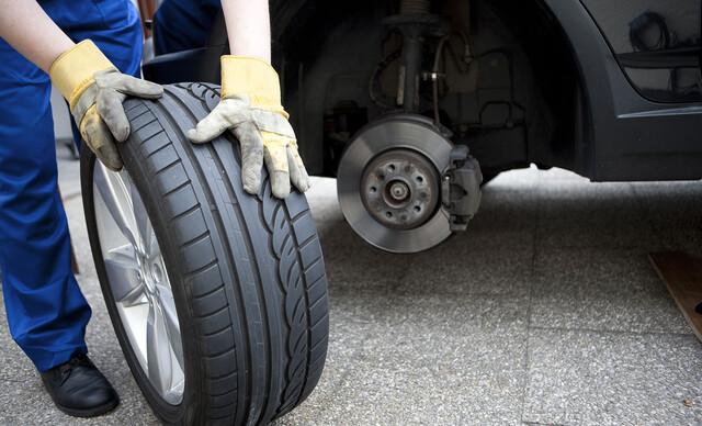 Pripravte sa na sezónu už teraz - kompletné prezutie vozidla s vyvážením pneumatík.