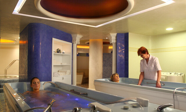 Liečebné procedúry, konzultácia s lekárom, wellness a plná penzia v kúpeľoch Brusno