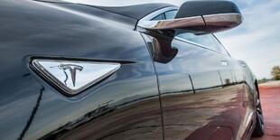 Jazda snov na Tesla Model S 100D