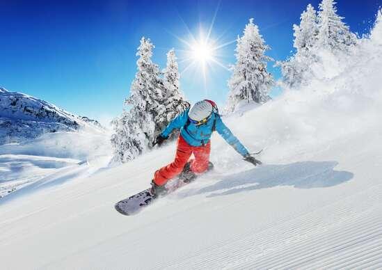 Sleva 64% na pobyt - Kurz snowboardingu v Krušných horách včetně skipasu a služeb zkušeného instruktora s…