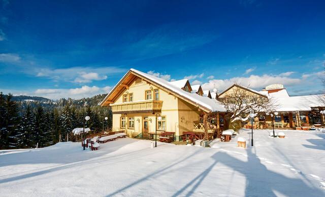 Pobyt plný zážitkov v Slovinsku v penzióne Smogavc s polpenziou a možnosťou lyžovačky