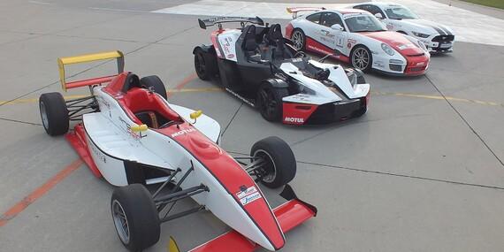 Jazda na pretekárskom aute podľa výberu Formula, Porsche 911 v GT3 úprave alebo Mustang GT V8/Trenčín