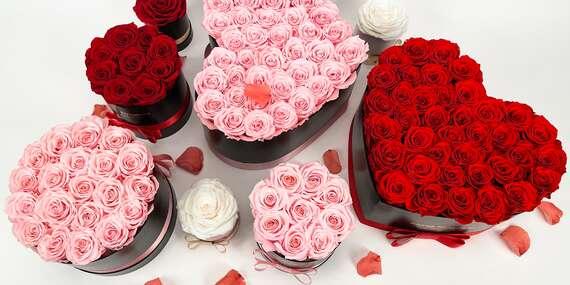 Luxusné boxy z tých najkrajších živých ruží, ktoré vydržia až 3 roky/Slovensko