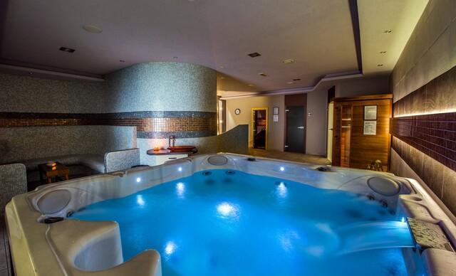 Valentínsky pobyt pre 2 osoby so 4-chodovou degustačnou večerou a privátnym wellness v hoteli Glamour**** pri Zemplínskej šírave