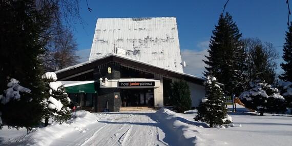 Zimná alebo veľkonočná dovolenka s polpenziou v hoteli Junior Piatrová** s ideálnou polohou na lyžovanie / Turčianska kotlina - Vrútky