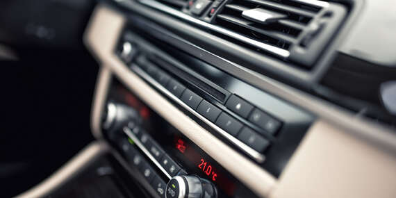 Kompletný servis autoklimatizácie s dezinfekciou ozónom, ktorý účinne likviduje až 99,9 % baktérií, vírusov a plesní/Bratislava – Rača