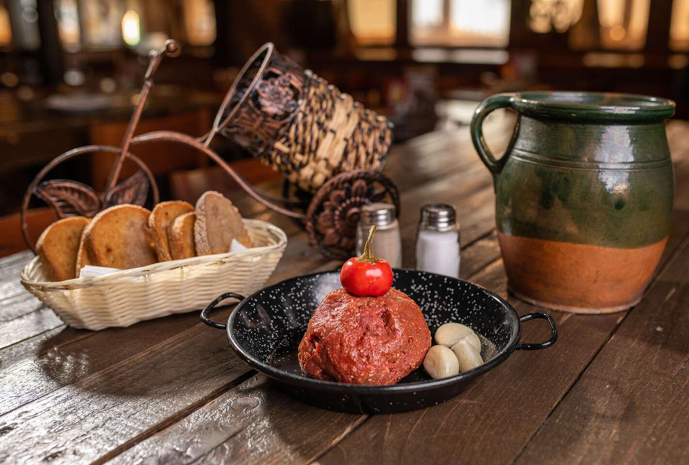 Tatarák z hovädzieho mäsa a 8 hrianok pre 2 osoby v bratislavskom Mamut pube