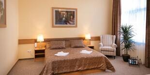 V hoteli Aquasol Resort**** nájdete Premium izby s king size posteľou, Wi-Fi, TV a minibarom