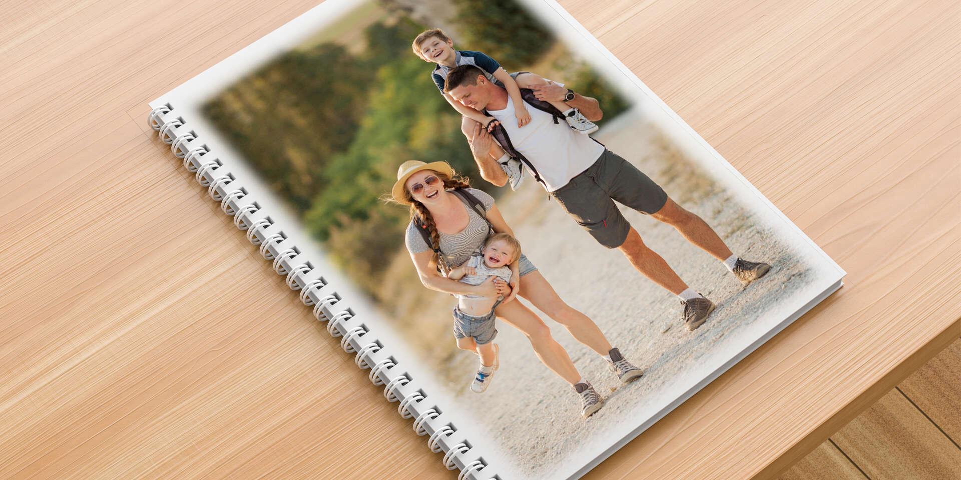 Fotokniha s lesklým papierom a krúžkovou väzbou od 16 až po 96 strán