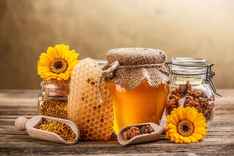 Včelie produkty – domáce medy, medoviny, propolisová tinktúra a medové mydlá