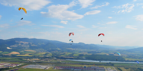 Tandemový paragliding z výšky až do 1000 metrov nad Donovalmi alebo na Straníku v Žiline/Slovensko - Donovaly - Nová Hoľa (za prevádzky lanovky), Žilina - Straník