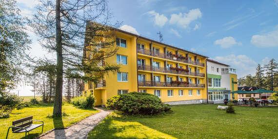 Hotel Lesana***: Tatry s výhľadom na Lomnický štít, wellness, polpenziou a vstupom do Kinderlandu / Vysoké Tatry – Stará Lesná