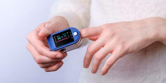 Pulzný oximeter – ľahké meranie tepu a kyslíka v tele cez prst/Slovensko