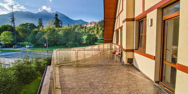 Dovolenka s výhľadom na panorámu tatranských končiarov z hotela Tulipán*** s wellness, polpenziou len 1 km od svahu
