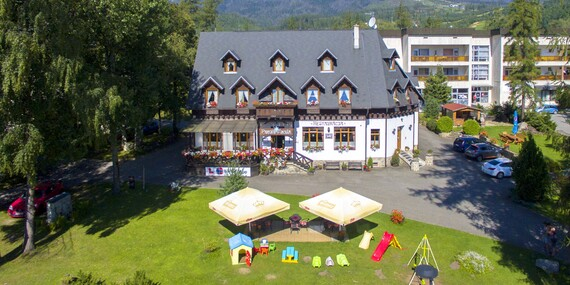 Dovolenka v centre Tatranskej Lomnice s wellness, stravou a výbornou polohou v penzióne Encián / Vysoké Tatry - Tatranská Lomnica
