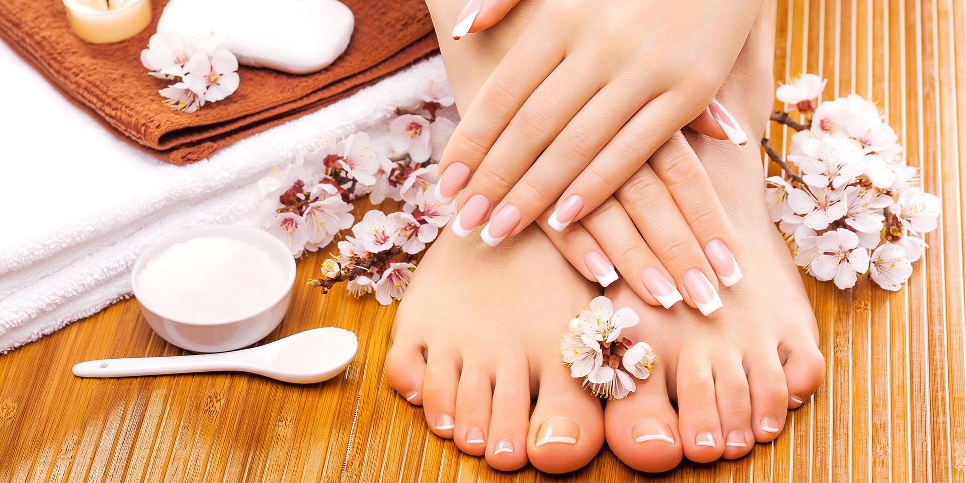 Nový gél-lak, krásne akrylové nechty alebo suchá pedikúra s One step gél lakom v salóne Beauty Studio Central