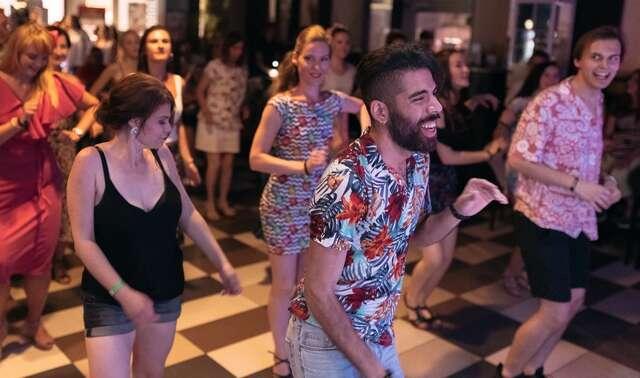 Perfektná postava vďaka tanečnému kurzu v Bailadora Dance Group (lektor aj z Venezuely).