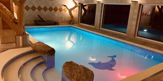 Hotel Podlesí s polopenzí, bazénem, ubytováním v krásném pokoji Lux, vstupem do pohádkové vesničky Podlesíčko a platností do dubna 2021/Vysočina / Ždárské Vrchy - Svratka