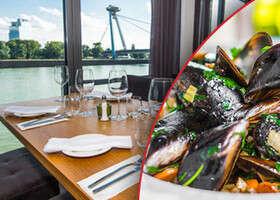 Gastronomický zážitok na Dunaji. Ochutnali sme Surf´n´Turf