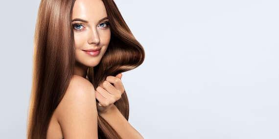 Dámsky strih alebo hĺbkové čistenie vlasov s MALIBU C, po ktorom budú vlasy krásne lesklé a vyživené/Nitra
