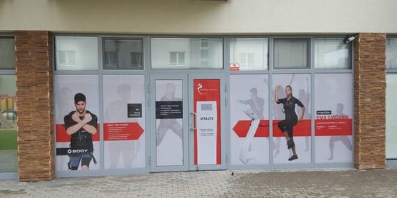 Intenzívne cvičenie s InfraVacuShape alebo Rolletic na efektívne tvarovanie postavy/Bratislava - Jarovce