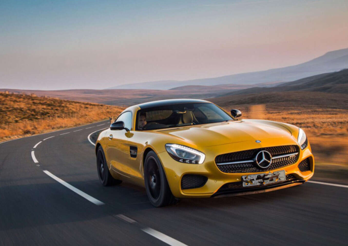Zážitkové jazdy na najexkluzívnejších športových autách v Br...