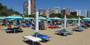 Villa Yachting*** leží cca 400 m od piesočnatej pláže