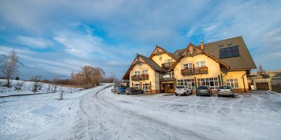 Zimná dovolenka v Tatrách v penzióne Lomnicky s výhľadom na Lomnický štít / Vysoké Tatry - Stará Lesná