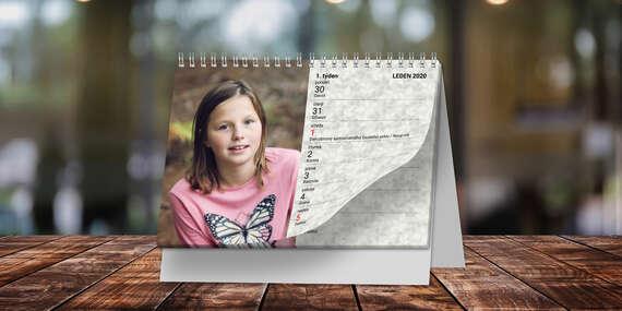 Stolní či nástěnné kalendáře z vašich fotografií na rok 2021, vhodné i jako originální dárek pro vaše blízké/ČR