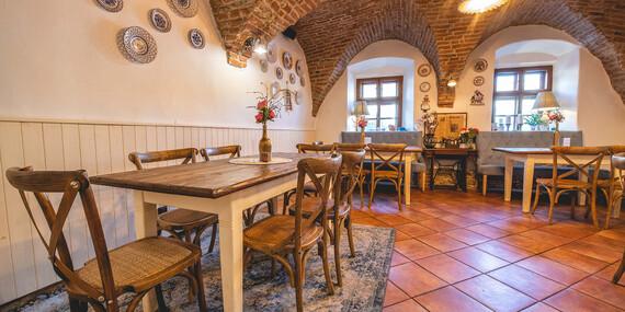 Menu spojené s vínnou degustáciou s výkladom v rodinnej reštaurácii Starý Dom, priamo v historickom centre Modry/Modra