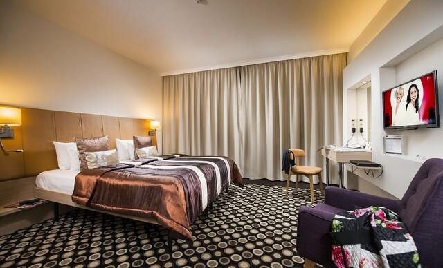 Superior izba hotela Bo33**** v centre Budapešti, strešné wellness a raňajky so sektom