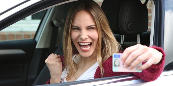 Vodičák pre teba a kamoša/ku za ešte výhodnejšiu cenu: Kurz autoškoly na skupinu B / Bratislava – Rača