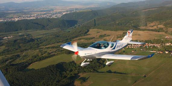 Let športovým lietadlom s možnosťou pilotovania / Zvolen - Dobrá Niva