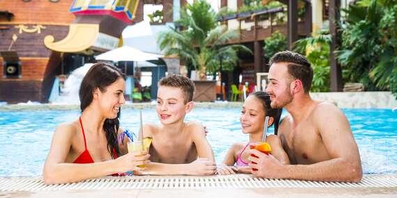 TATRALANDIA s 10 bazénmi, toboganmi a tropickým rajom, kde je celý rok 30 °C/Liptovský Mikuláš - Tatralandia