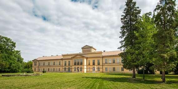 Bezpečné ubytovanie v historickom kaštieli Palárikovo v obklopení anglického parku / Palárikovo