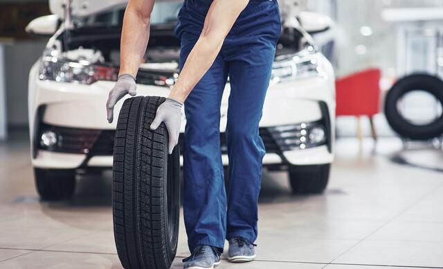 Kompletné prezutie pneumatík aj s vyvážením.