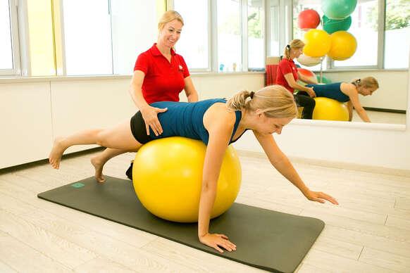 Fyzioterapeutické vyšetrenie a individuálne cvičenia v súkromnom zdravotníckom centre Hippokrates.