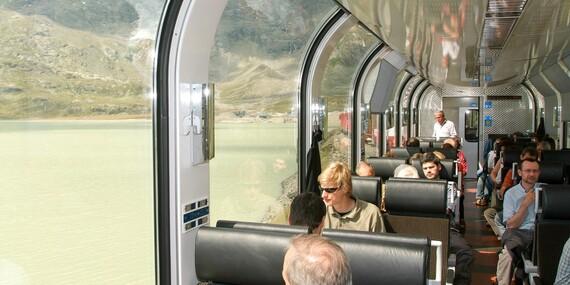 Výlet do Švýcarska za jedinečnými výhledy na Alpy z panoramatického vlaku nejkrásnější železnice světa/Švýcarsko