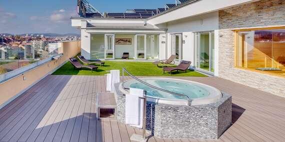 Ubytování se snídaní, 2 hodinovým wellness a volným vstupem do relaxačního střediska na střeše hotelu Avanti **** v Brně/Brno